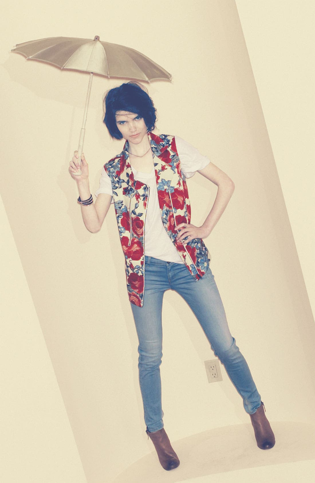 Alternate Image 1 Selected - Mural Vest, Leith Tee & edyson Jeans