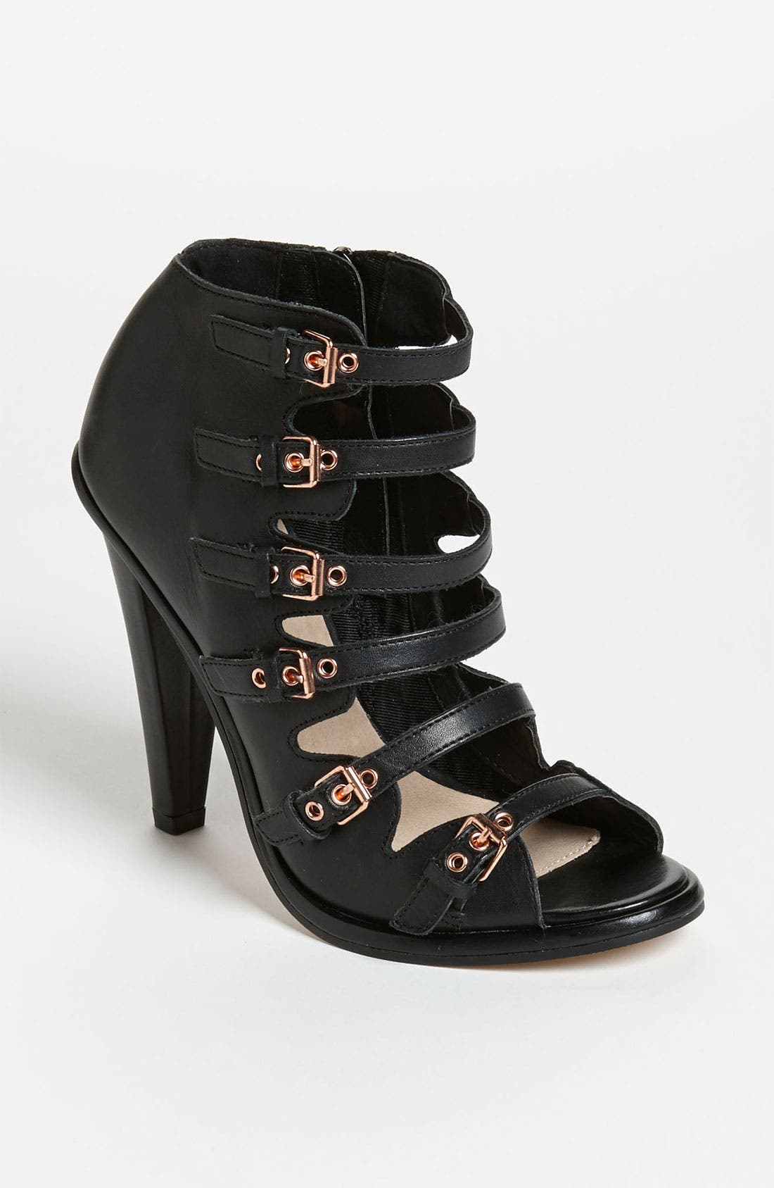 Alternate Image 1 Selected - Topshop 'Gelda' Sandal