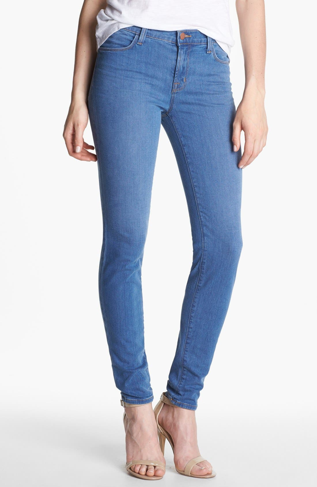 Main Image - J Brand '620' Mid-Rise Skinny Jeans (Lucas)