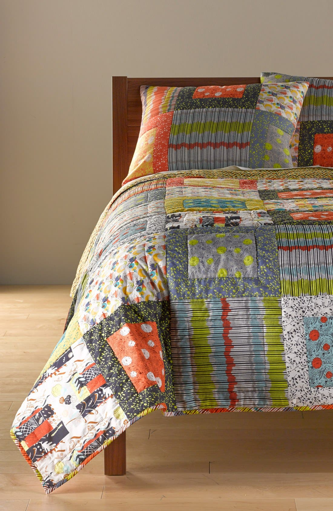Alternate Image 1 Selected - Rizzy Home 'Felicity' Quilt