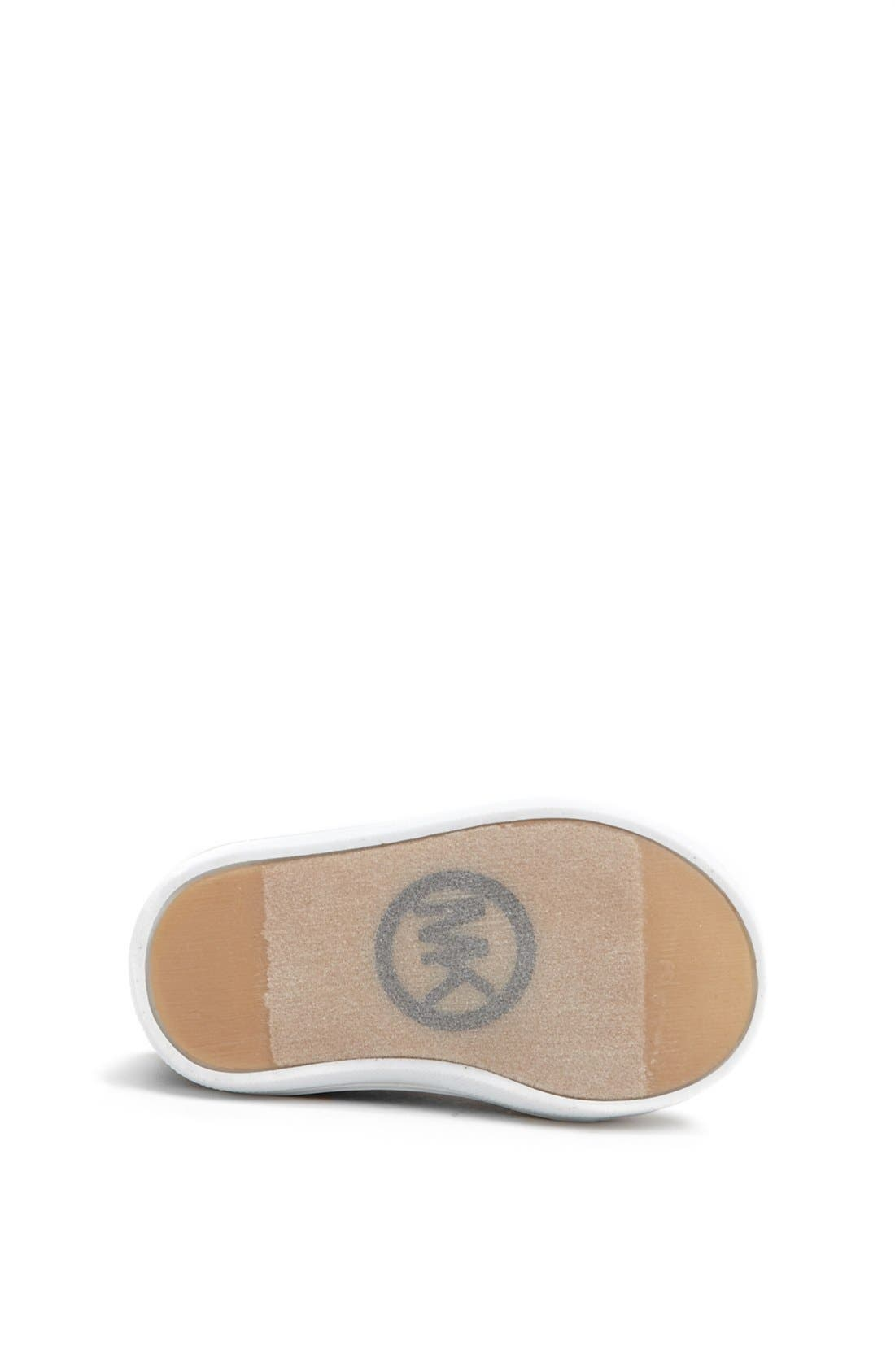 Alternate Image 4  - MICHAEL Michael Kors 'Baby Monogram' Crib Shoe (Baby)