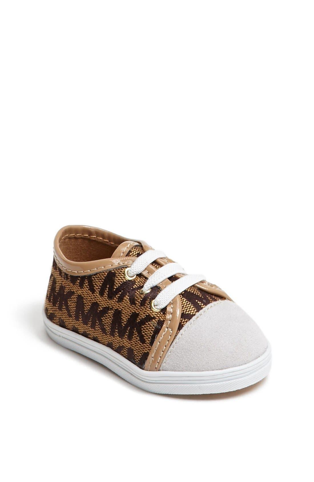 Main Image - MICHAEL Michael Kors 'Baby Monogram' Crib Shoe (Baby)
