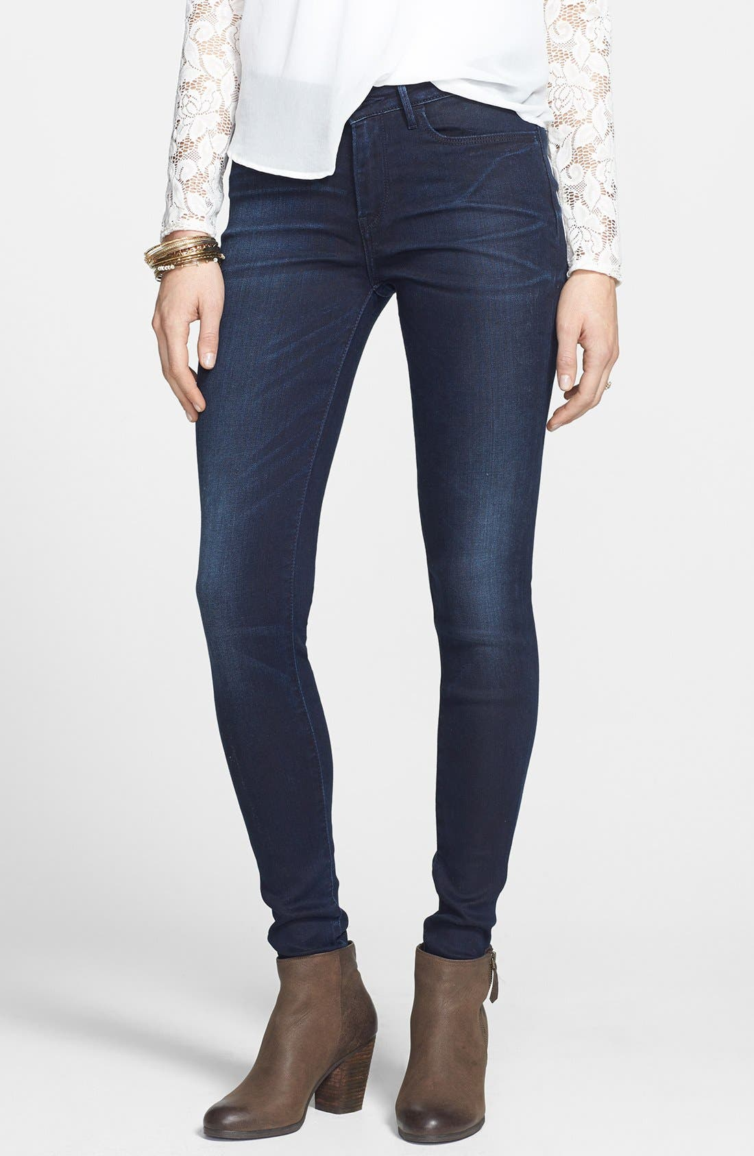 Alternate Image 1 Selected - Levi's® 'Core Better Legging' Skinny Jeans (Dark)