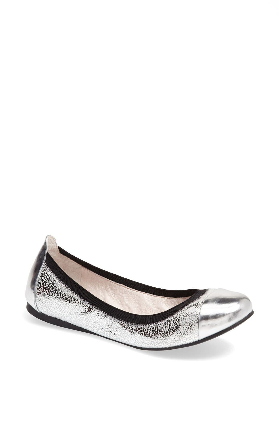 Main Image - Vince Camuto 'Elisee' Leather Ballet Flat