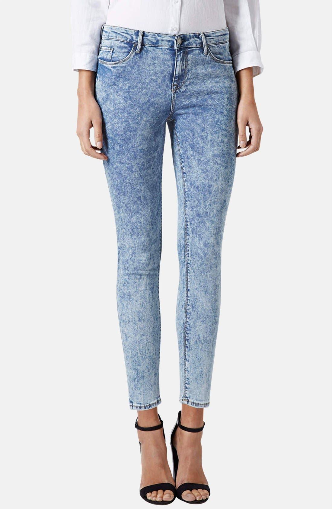 Alternate Image 1 Selected - Topshop Moto 'Leigh' Acid Wash Skinny Jeans (Light Denim) (Petite)
