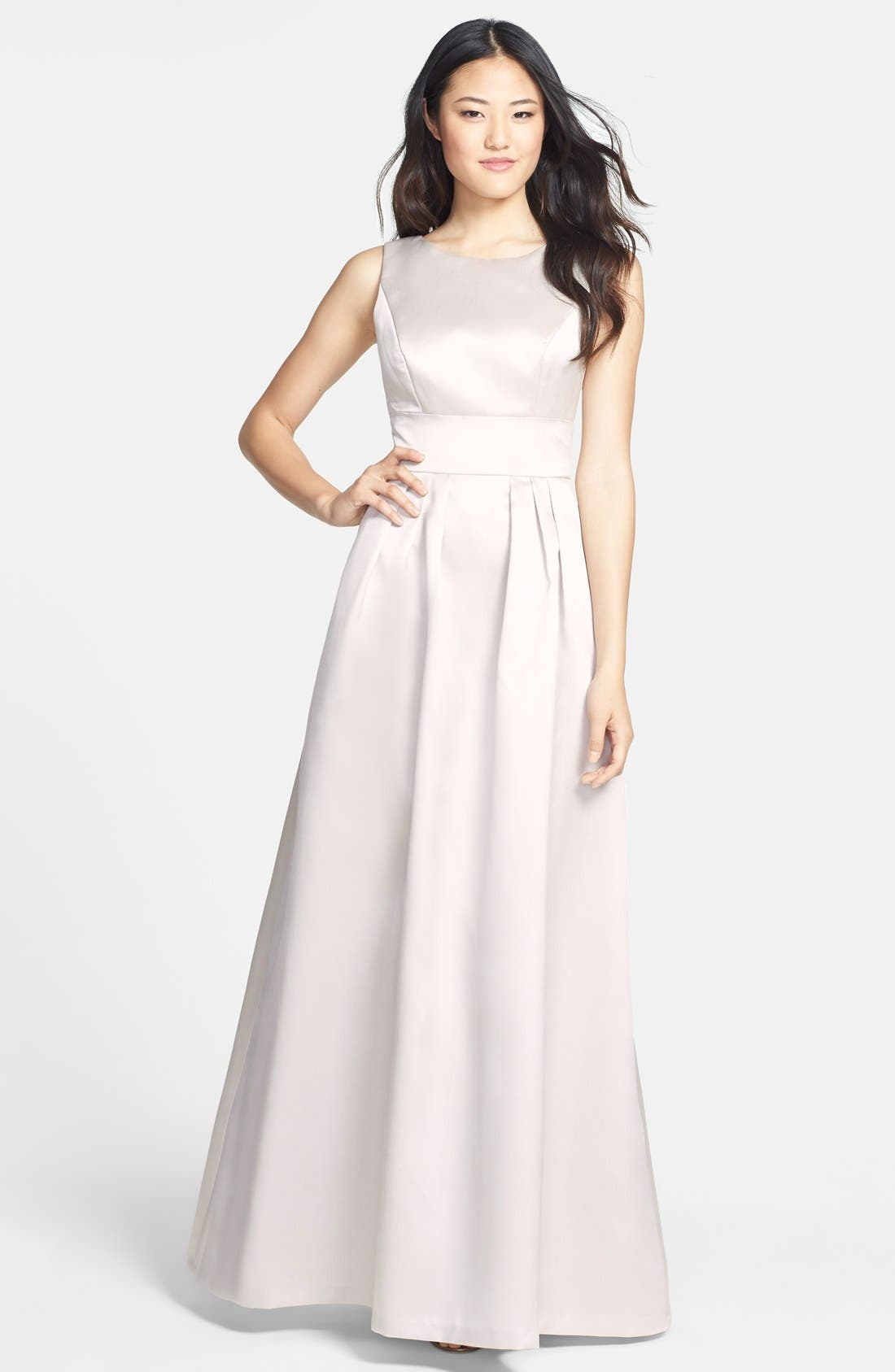 Main Image - Alfred Sung Bow Back Sateen Twill Gown