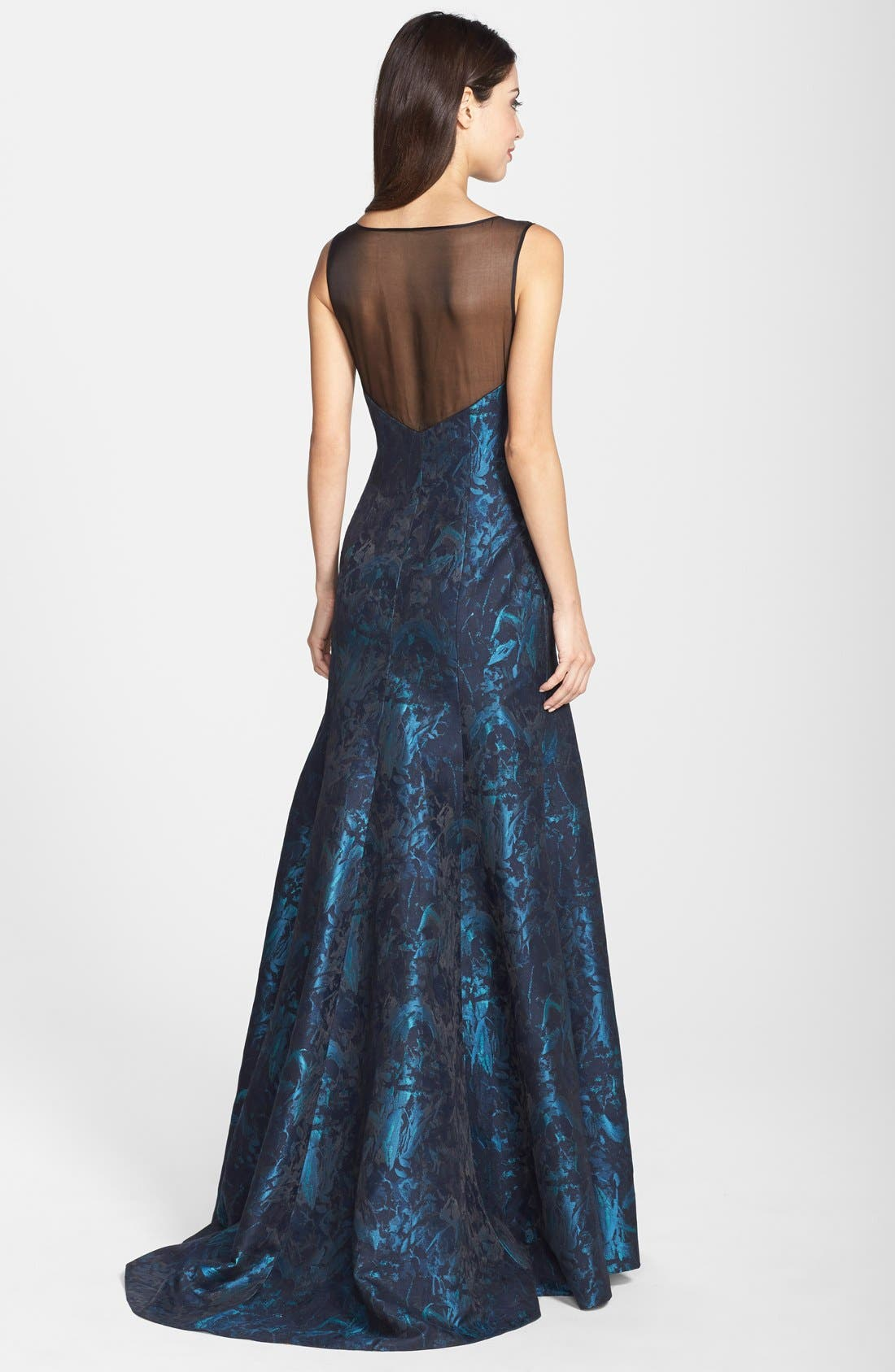 Alternate Image 2  - Vera Wang Sleeveless Plunge Cut V-Neck Silk Jacquard Gown (Women)