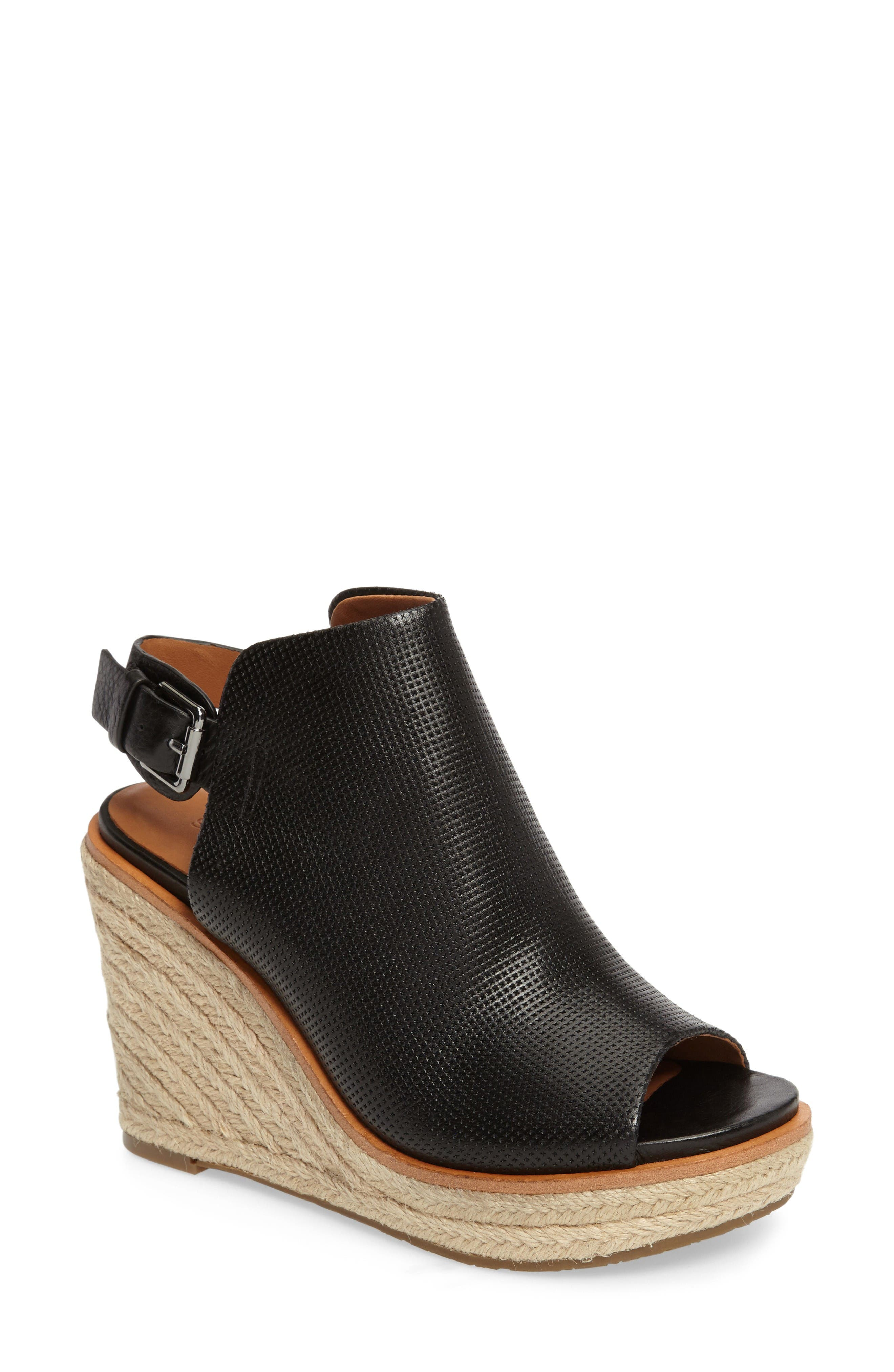 GENTLE SOULS Jacey Wedge Sandal
