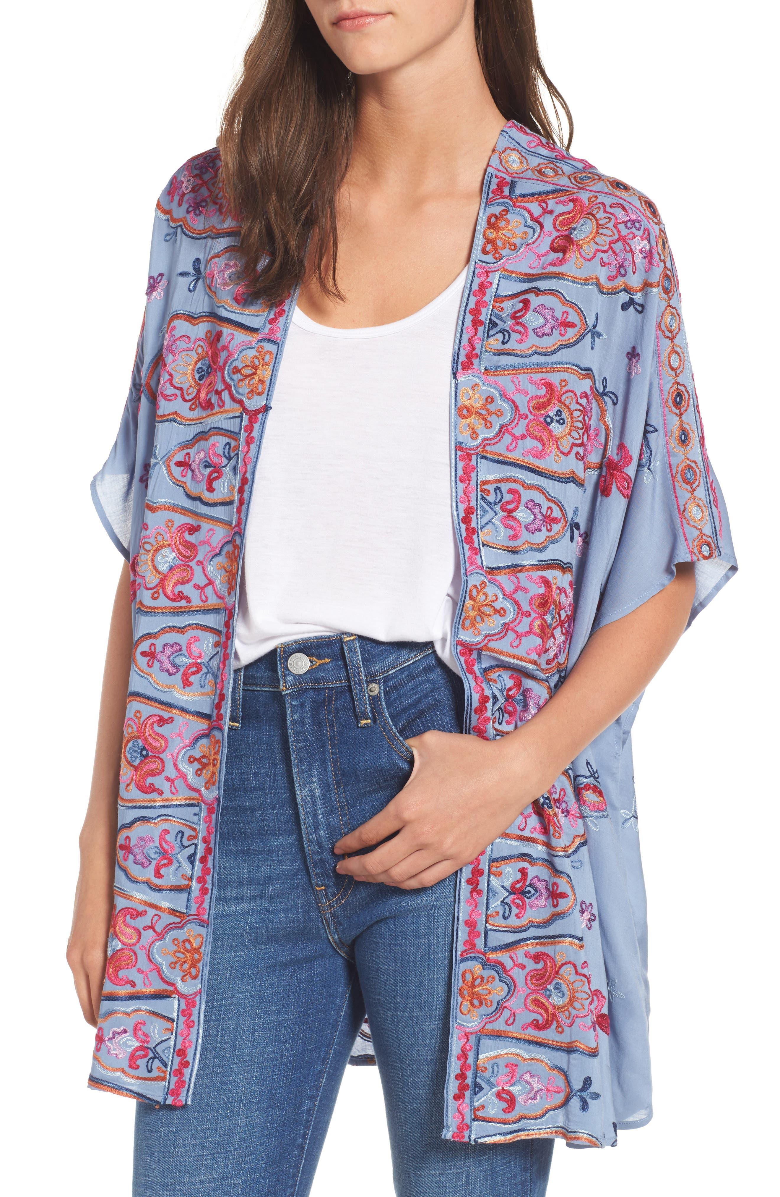Socialite Embroidered Kimono
