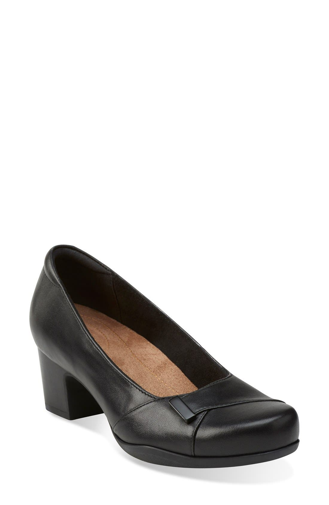 CLARKS® 'Rosalyn Belle' Pump