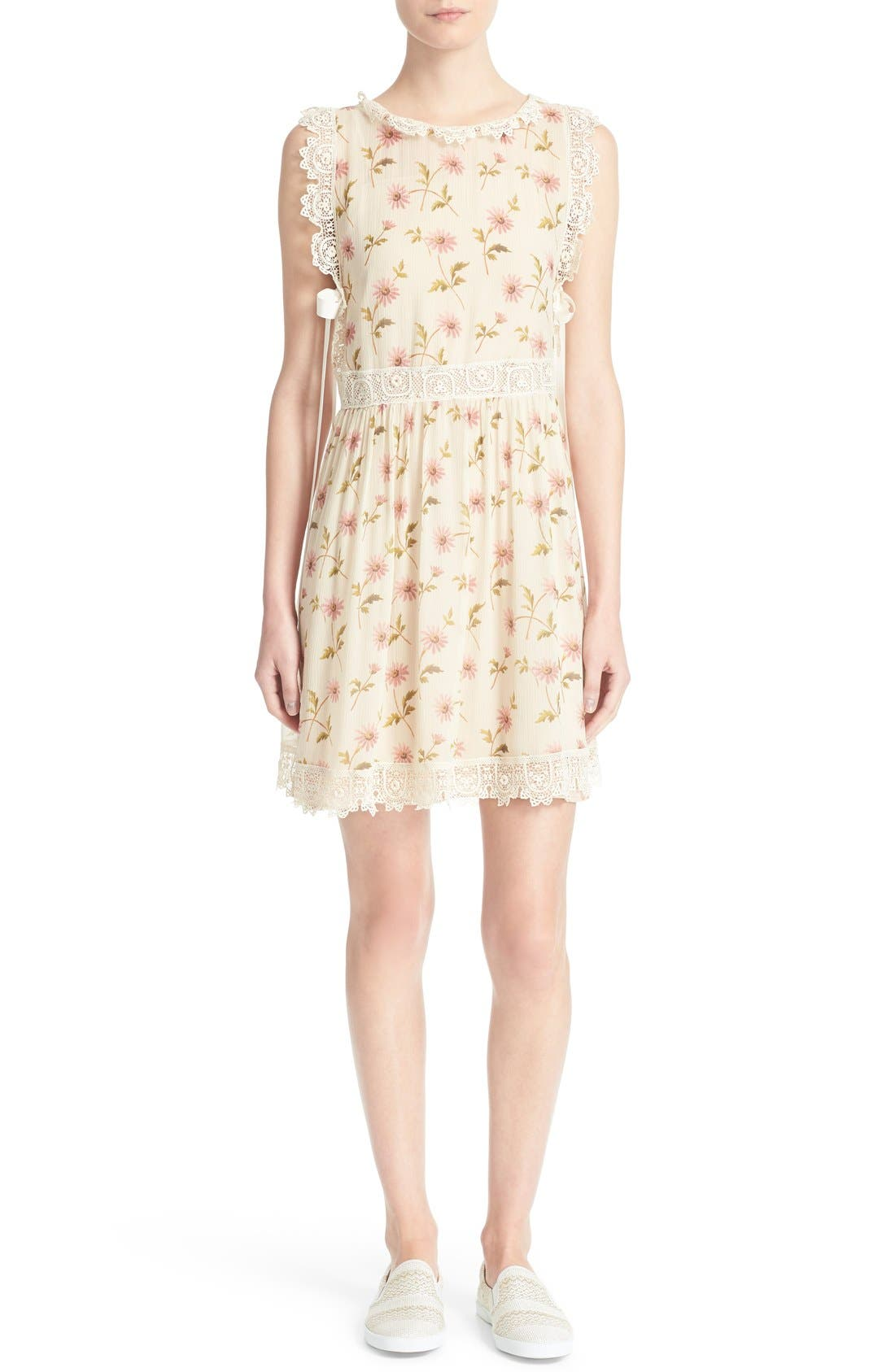 Alternate Image 1 Selected - RED Valentino Crochet Trim Daisy Print Dress