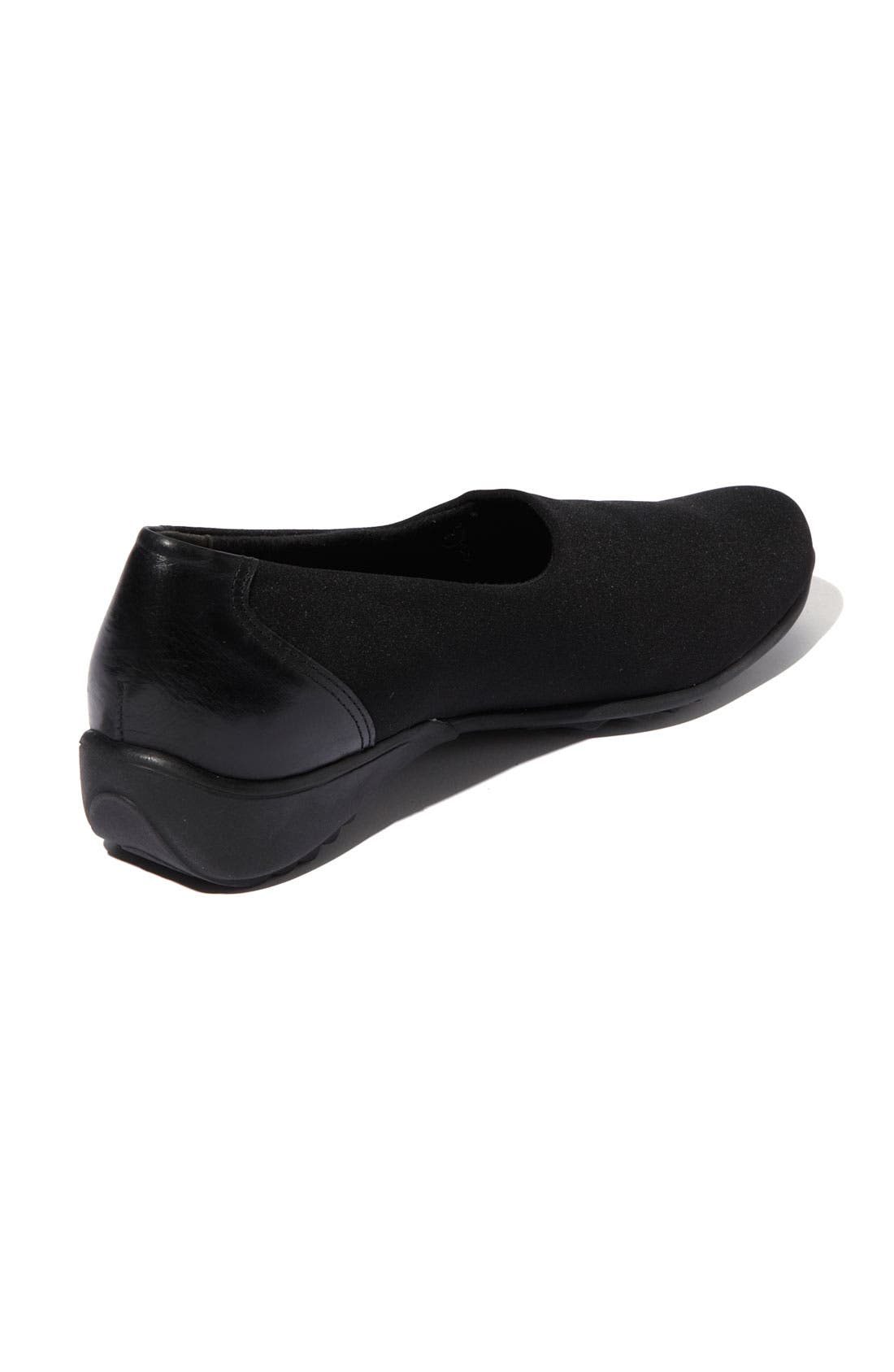 Alternate Image 2  - Munro 'Traveler' Slip-On (Women)