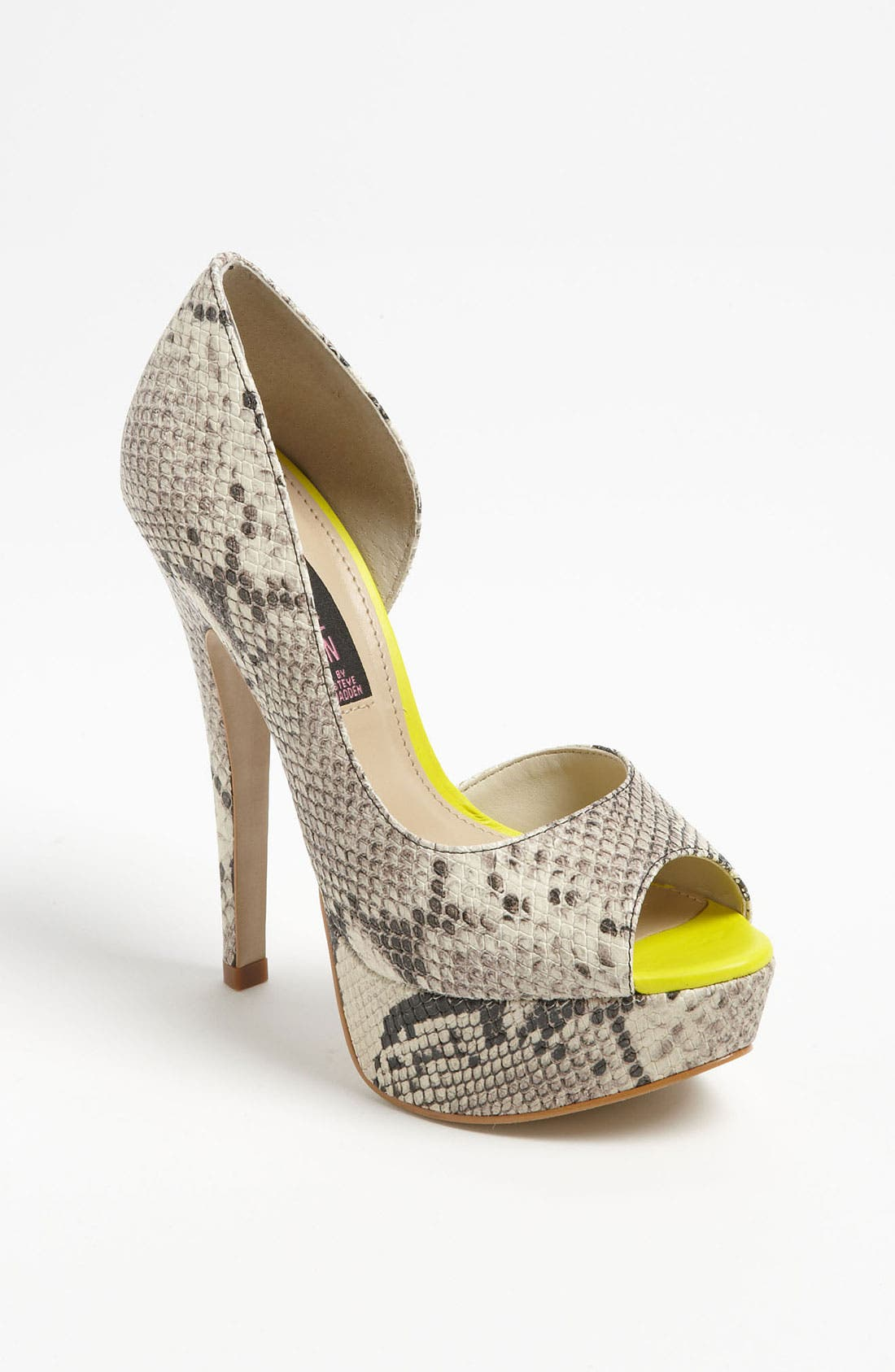 Alternate Image 1 Selected - Steven by Steve Madden 'Amplifyd' Platform Pump