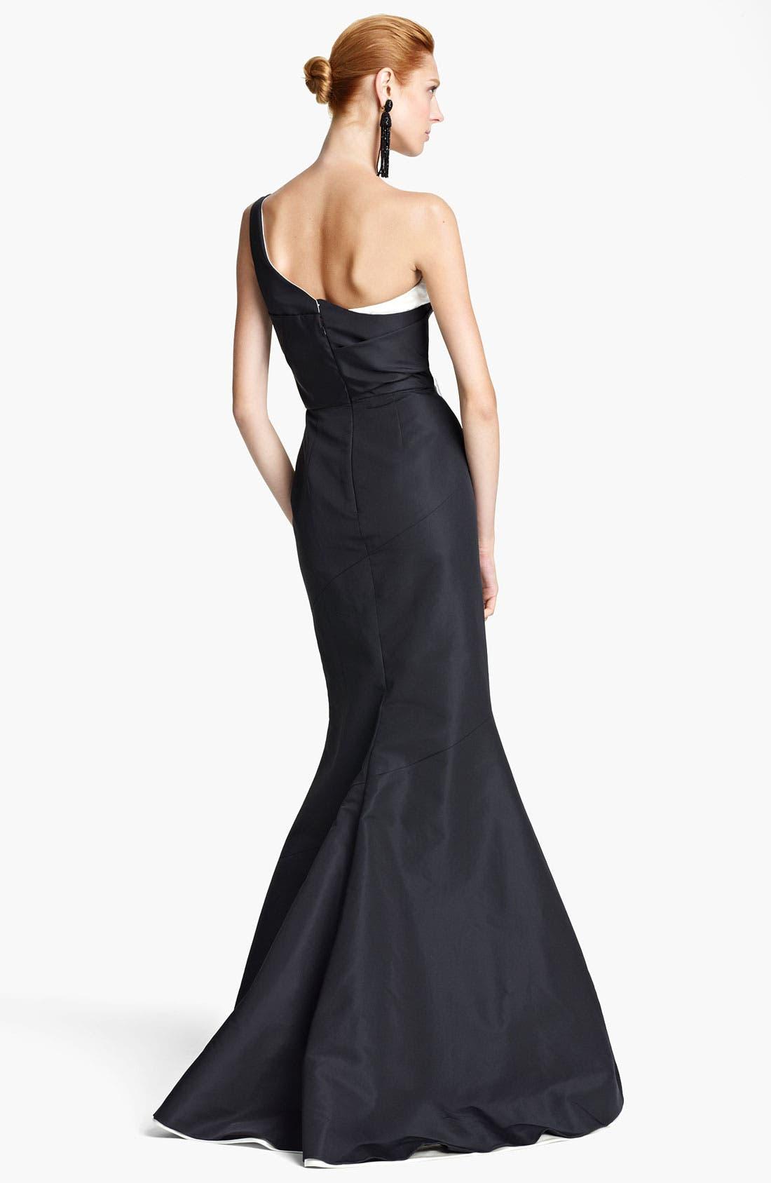 Alternate Image 2  - Oscar de la Renta One Shoulder Bicolor Silk Gown