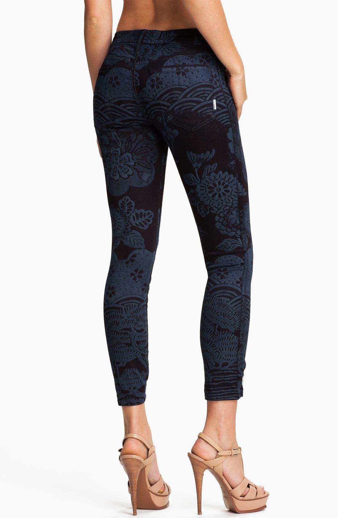 Alternate Image 2  - MOTHER 'The Looker' Print Skinny Crop Jeans (Moon of Tokyo)