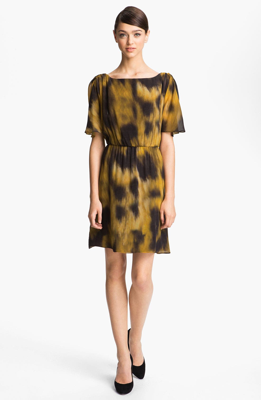 Main Image - Alice + Olivia 'Jillianne' Print Blouson Dress
