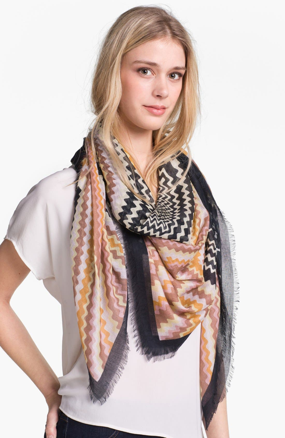 Alternate Image 1 Selected - Missoni Zigzag Linen Blend Scarf