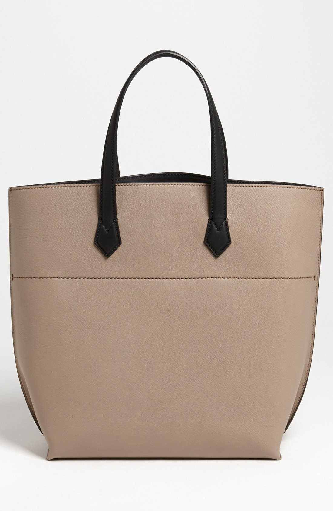 Alternate Image 4  - Fendi 'All In' Leather Shopper