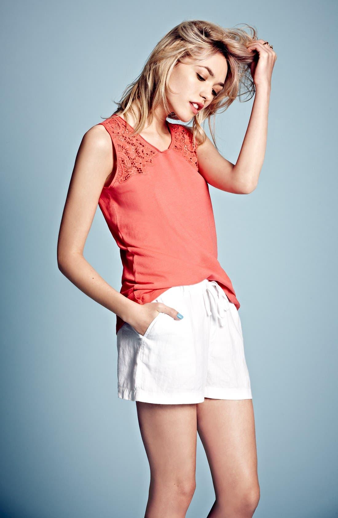 Alternate Image 4  - Caslon® Drawstring Linen Shorts (Regular & Petite)