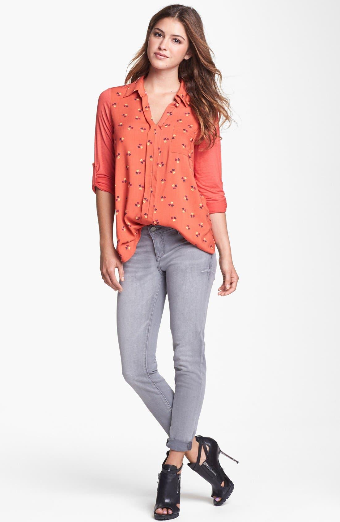 Alternate Image 6  - KUT from the Kloth 'Jennifer' Skinny Jeans (Taupe Grey)