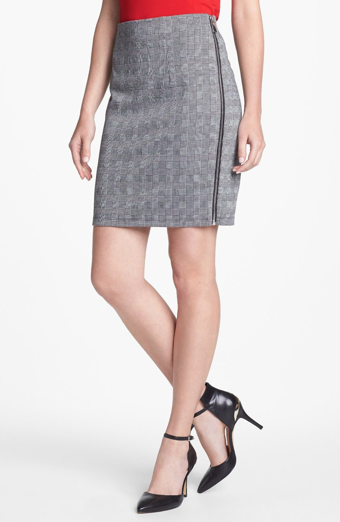 Main Image - Vince Camuto Side Zip Glen Plaid Pencil Skirt (Petite) (Nordstrom Exclusive)