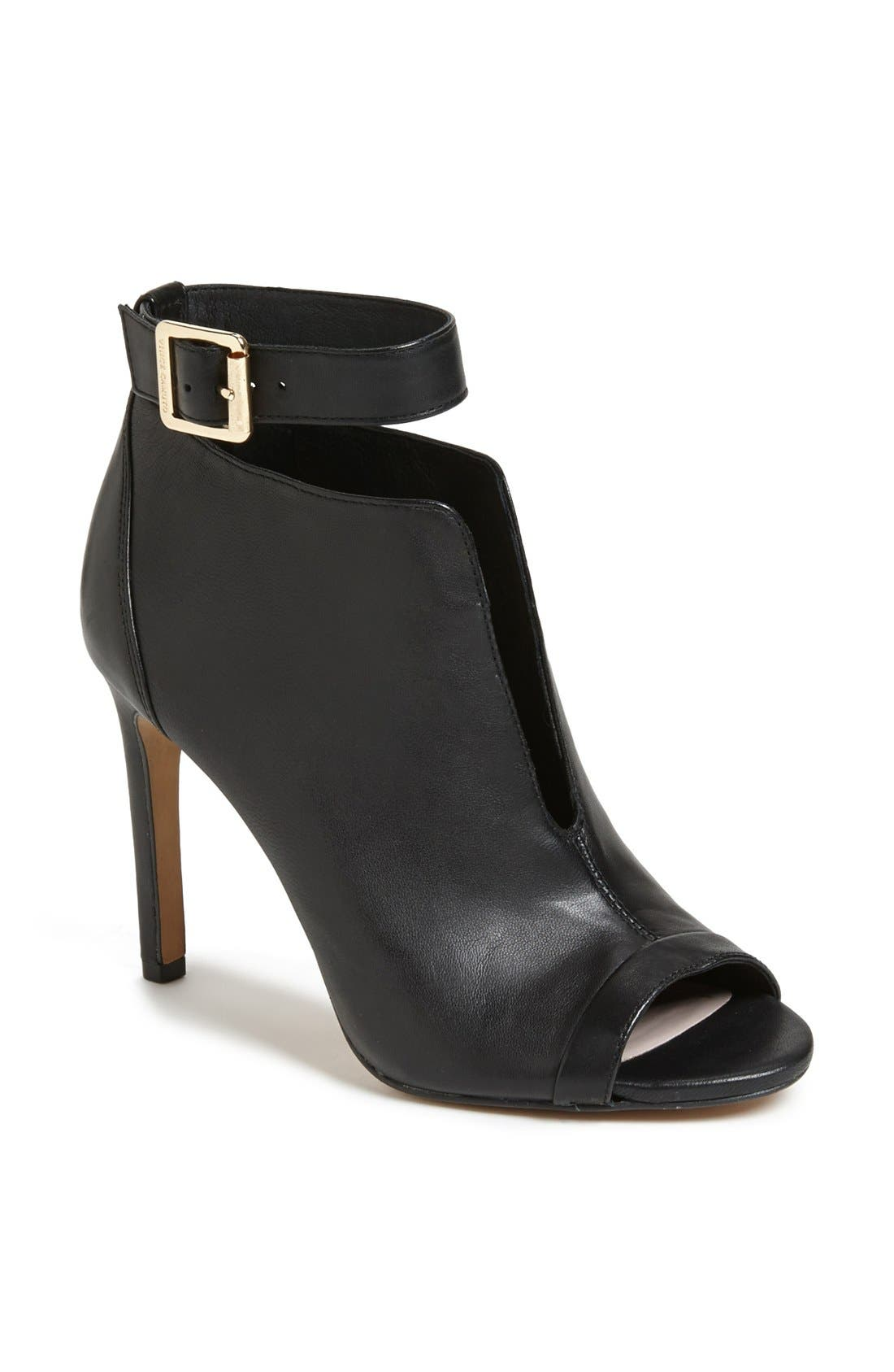 Alternate Image 1 Selected - Vince Camuto 'Kalisi' Bootie