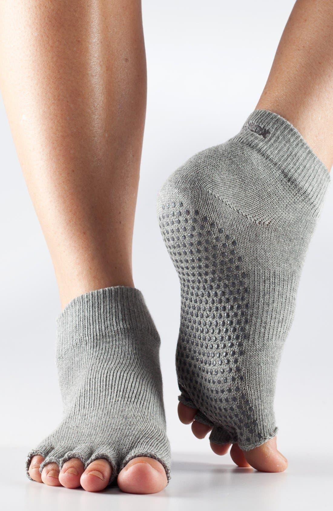 Alternate Image 1 Selected - ToeSox Half Toe Ankle Socks