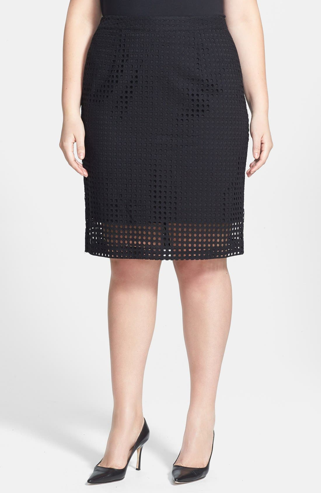 Main Image - Halogen® 'Prism' Eyelet Cotton Pencil Skirt (Plus Size)