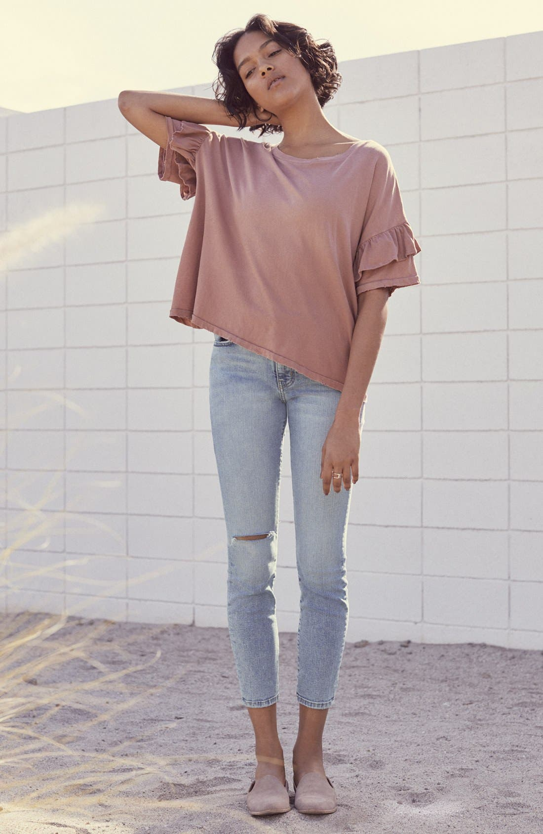 Current/Elliott Tee & Jeans Outfit with Accessories