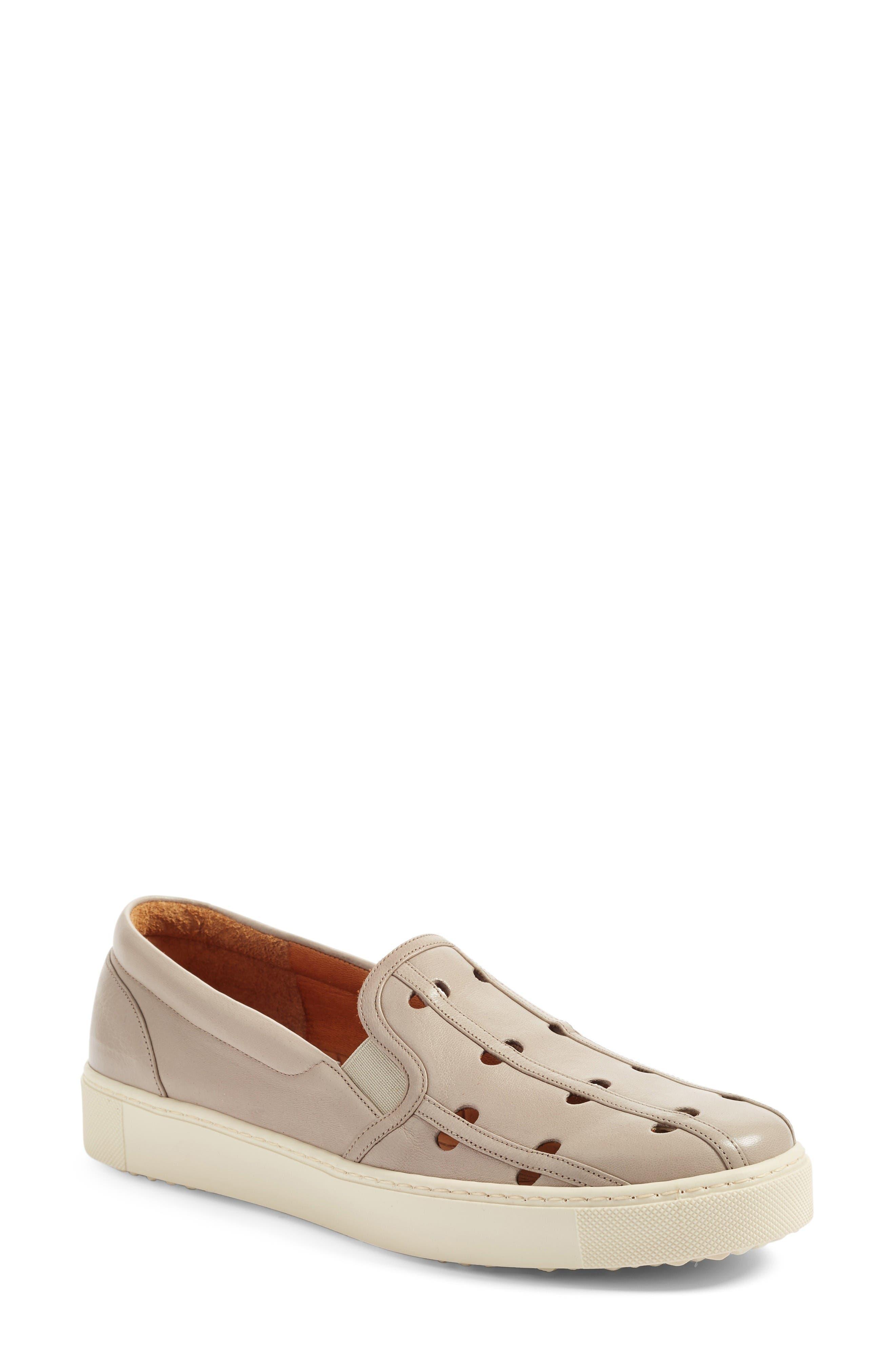 CHIE MIHARA Zanca Slip-On Sneaker