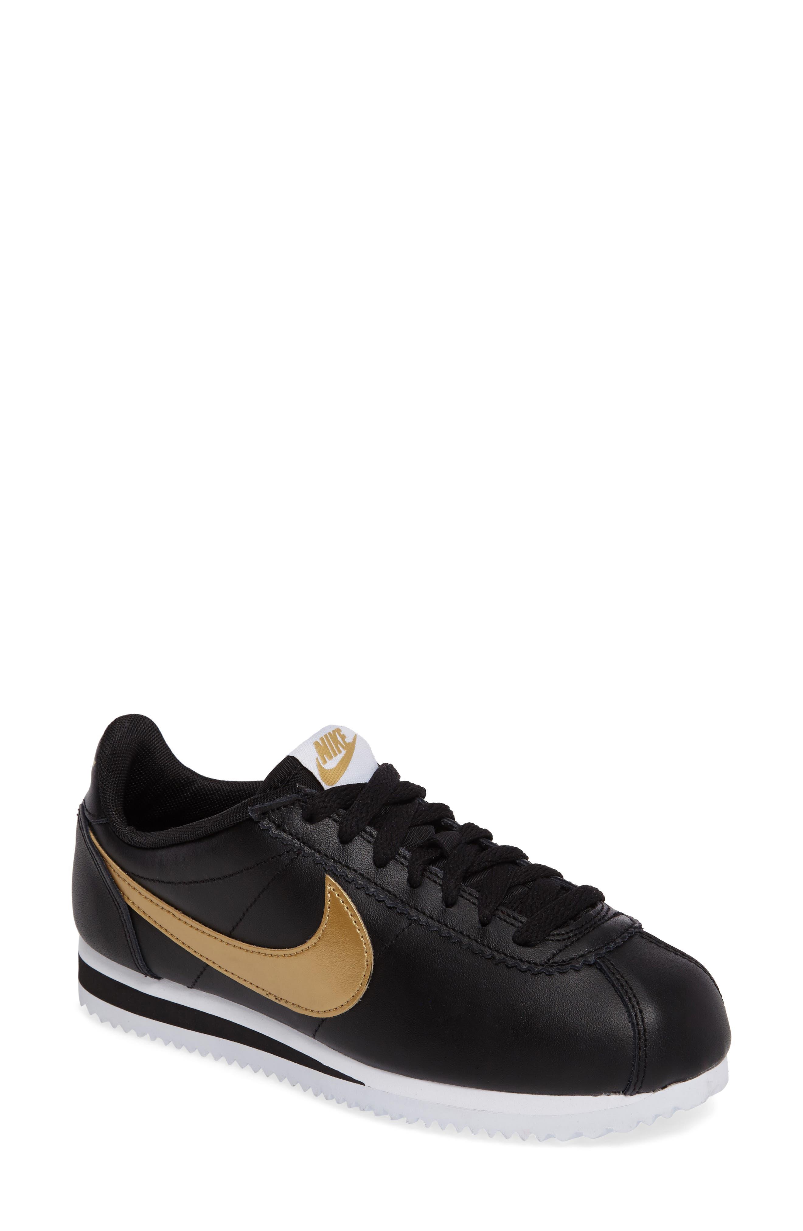 ad57598712 ... czech soldier 10 and lebron 14. classic nike shoes women d6d26 e6b4c