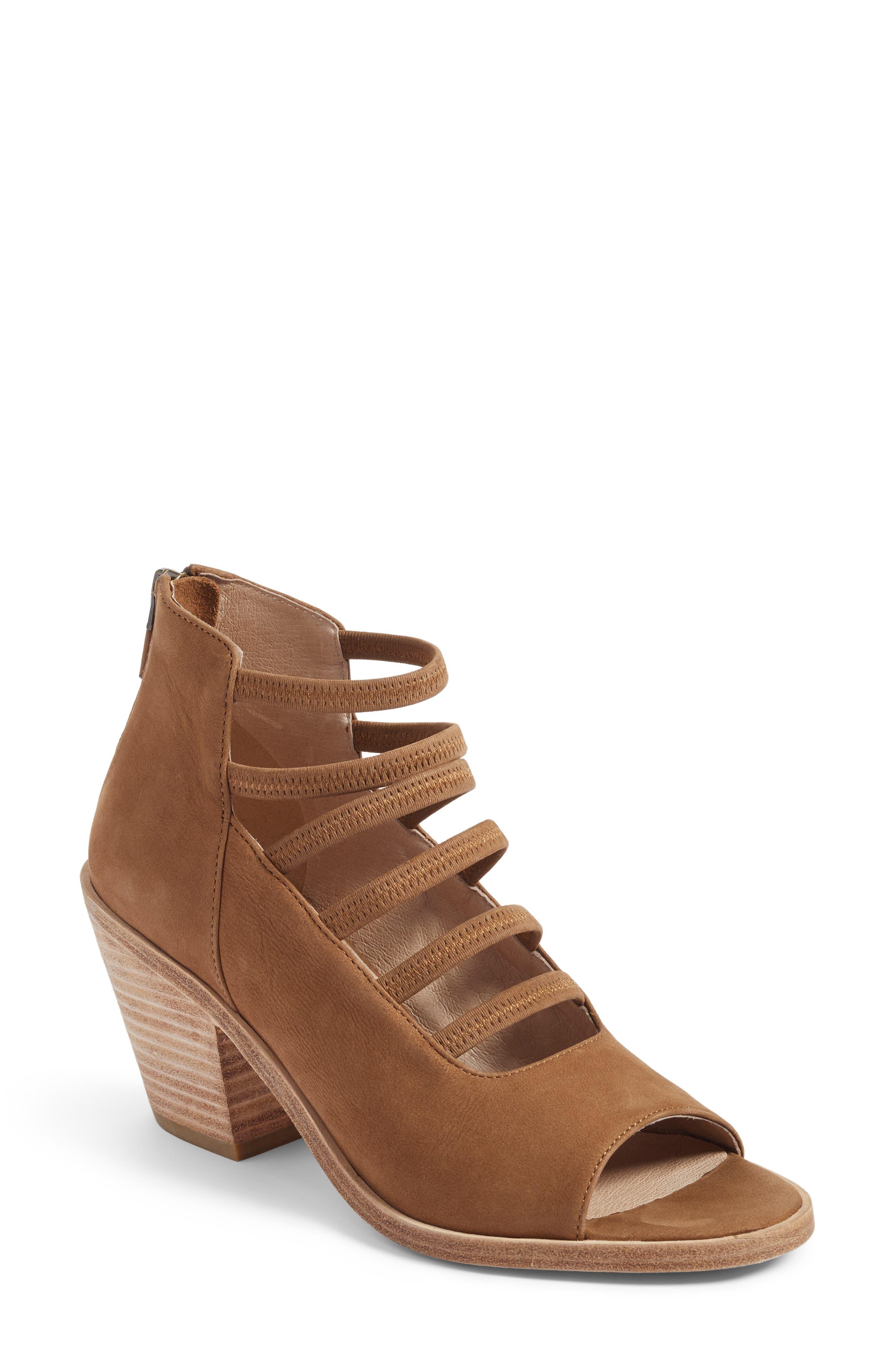 Eileen Fisher James Strappy Sandal (Women)