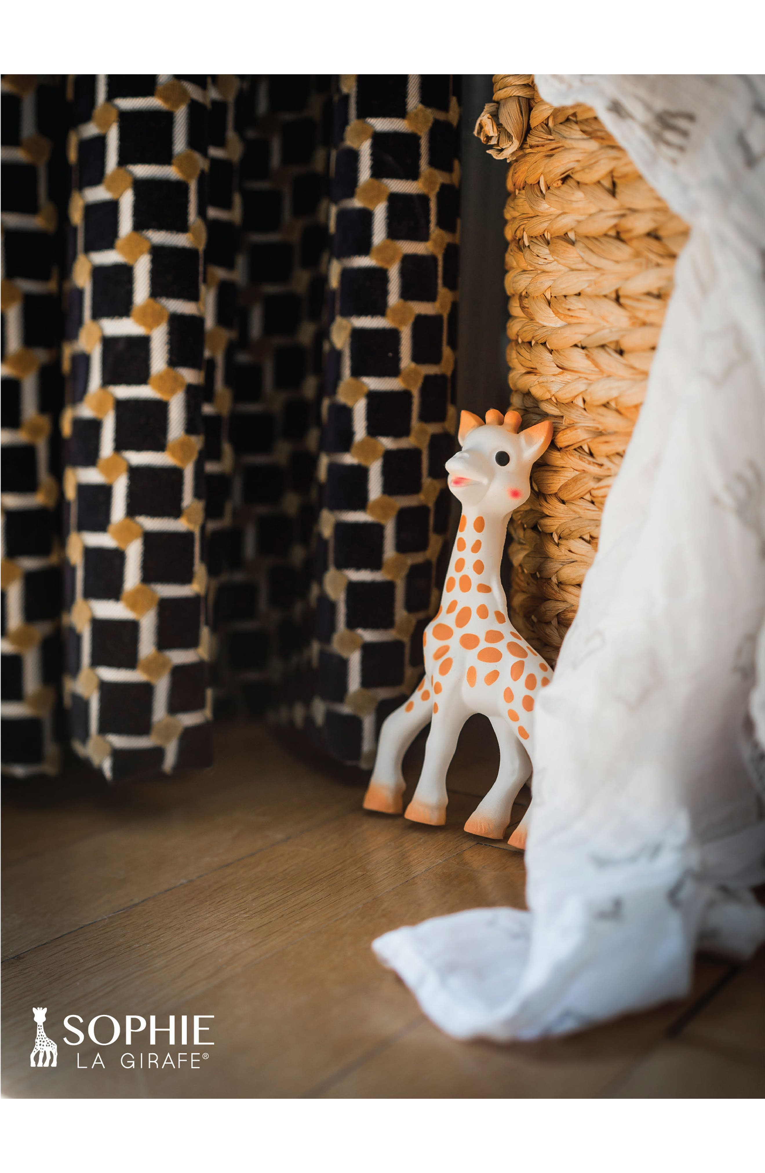 Alternate Image 12  - Sophie la Girafe Teething Toy