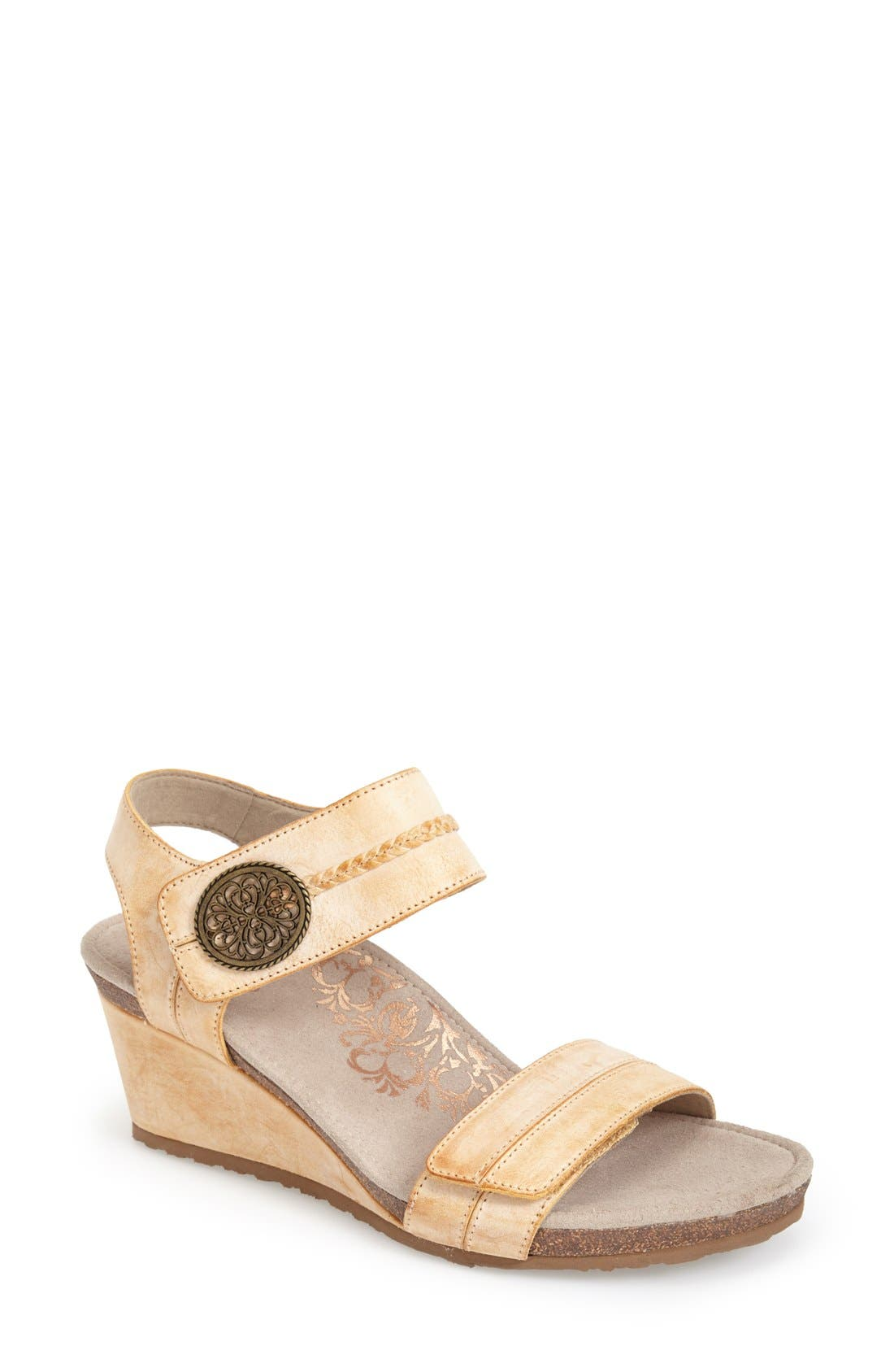 Aetrex 'Arielle' Leather Wedge Sandal (Women)