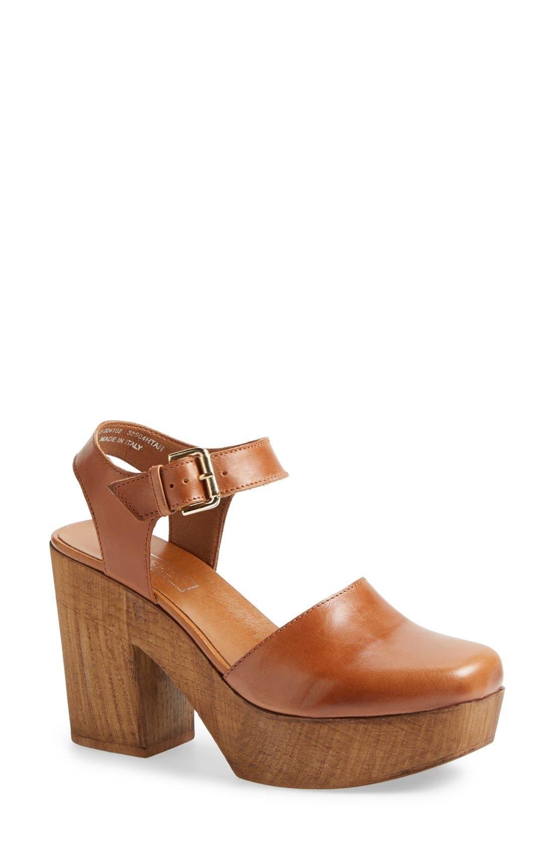 Main Image - Topshop 'Smile' Wooden Platform Leather Sandal (Women)