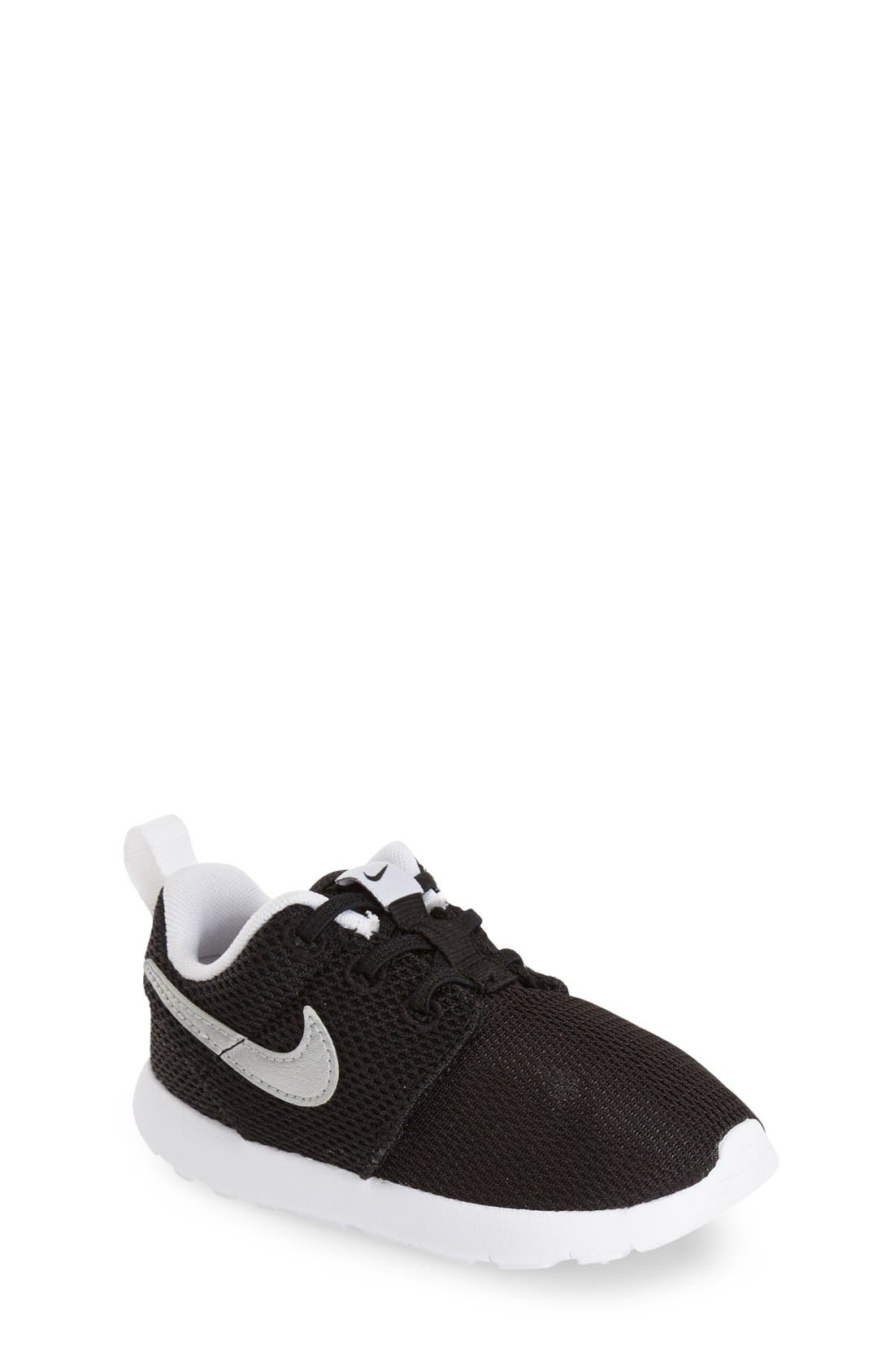 Nike 'Roshe Run' Sneaker (Baby, Walker & Toddler)