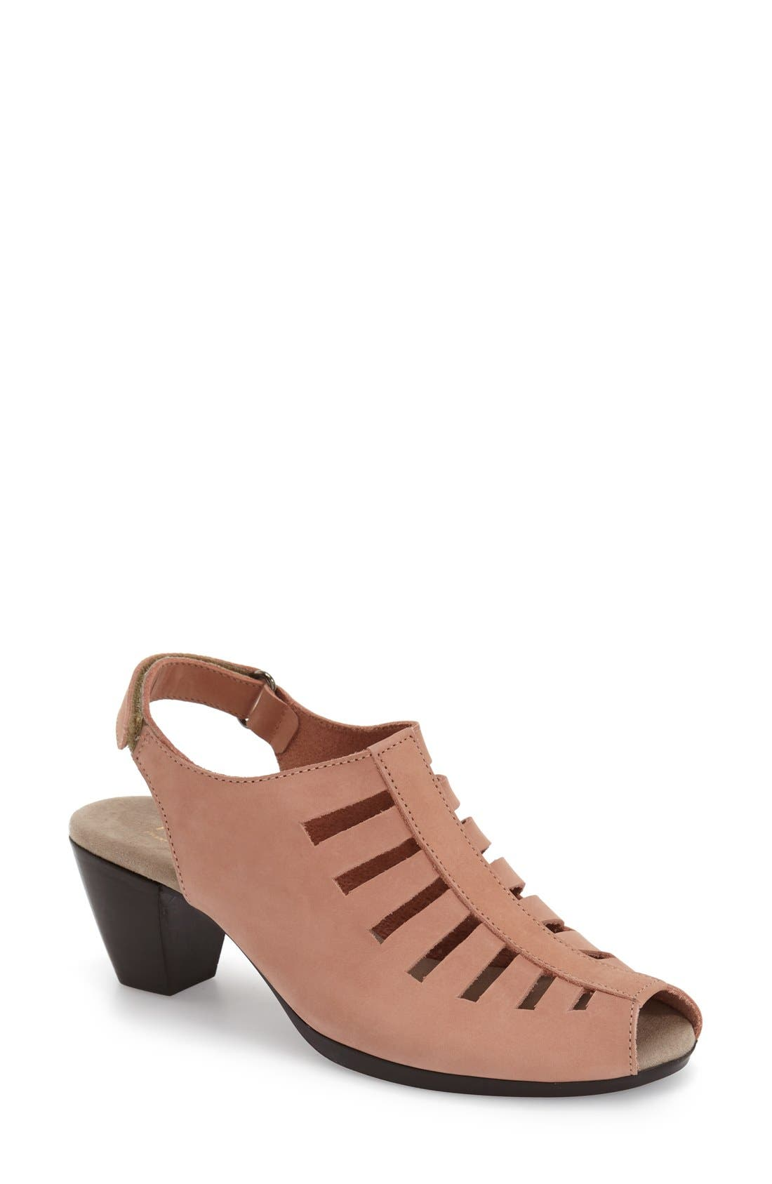 Munro 'Abby' Slingback Sandal (Women)