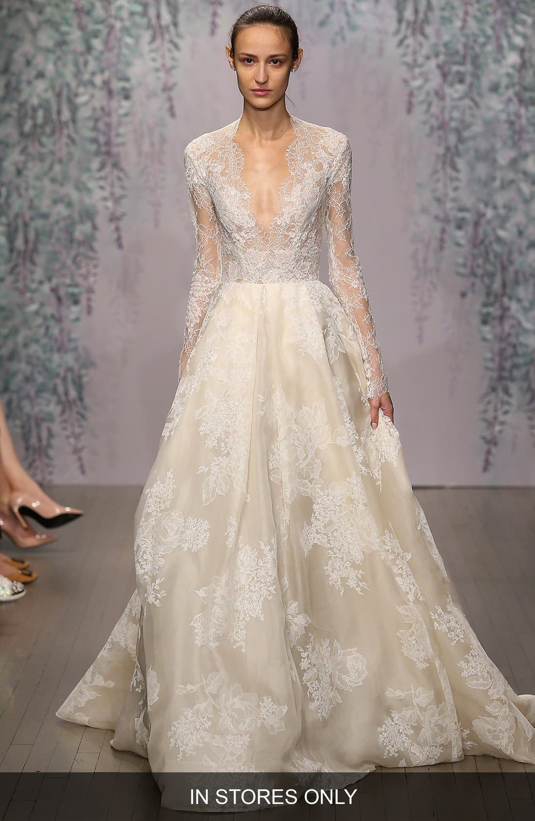 MONIQUE LHUILLIER 'Winslet' Plunging V-Neck Organza & Lace