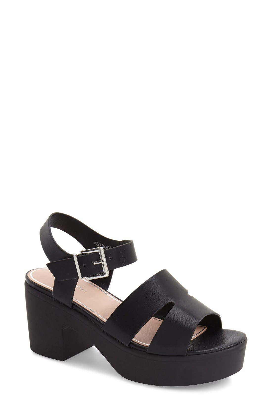 Alternate Image 1 Selected - Topshop 'Den' Platform Sandal (Women)