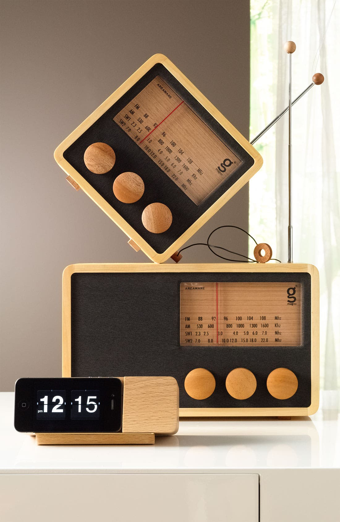 Alternate Image 5  - Handcrafted Pine & Mahogany 'Magno' Radio, Large