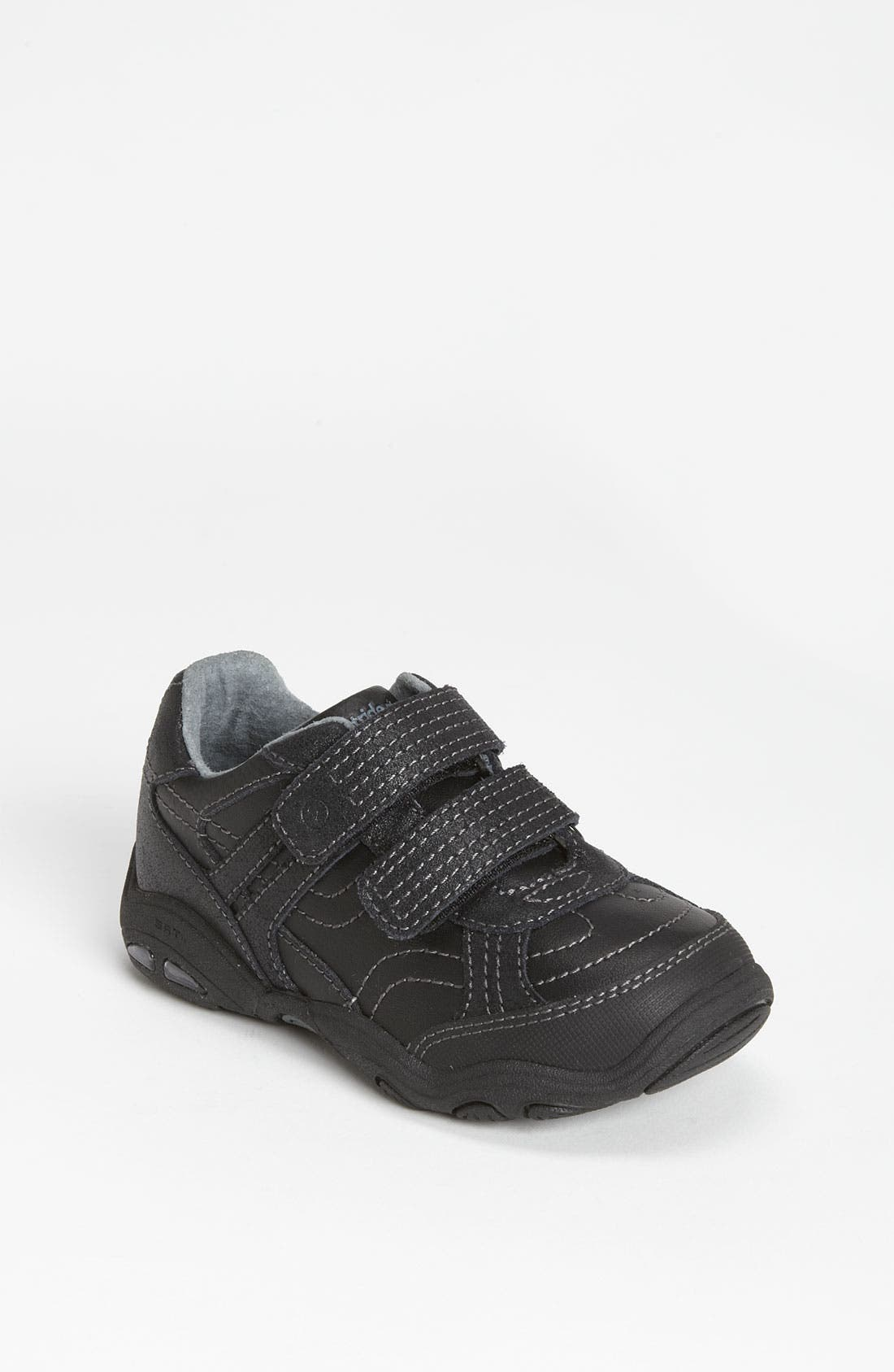 Alternate Image 1 Selected - Stride Rite 'Baxter' Sneaker (Toddler & Little Kid)