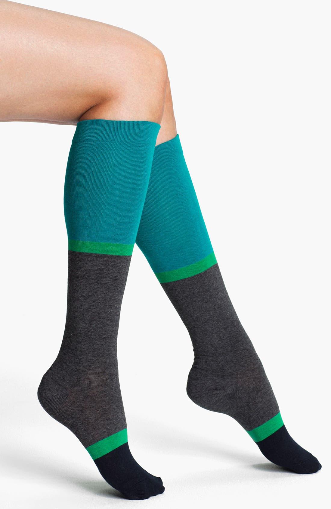 Main Image - Hue Colorblock Knee Socks