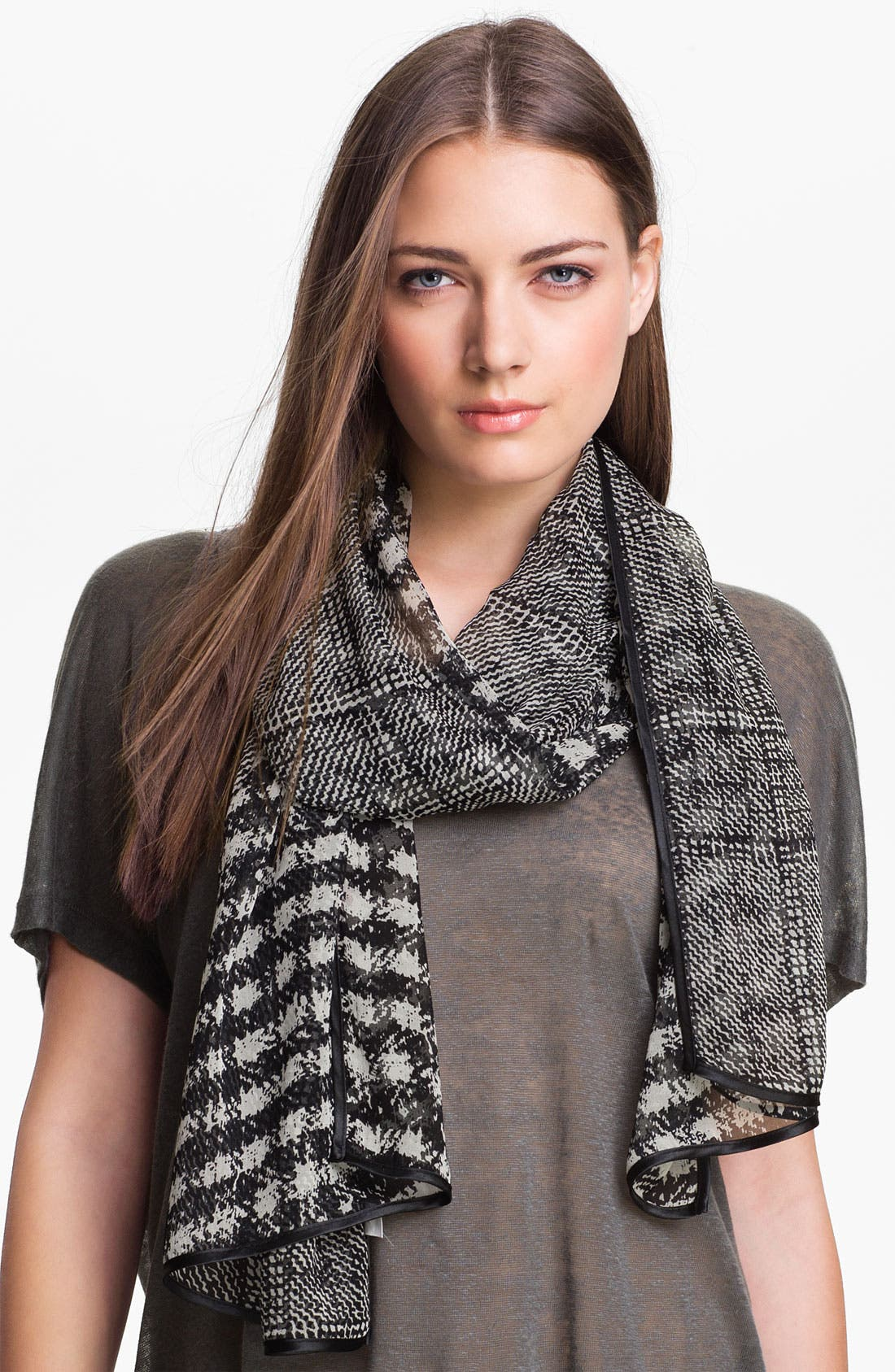 Main Image - Bernie of New York 'Marilyn' Houndstooth Scarf