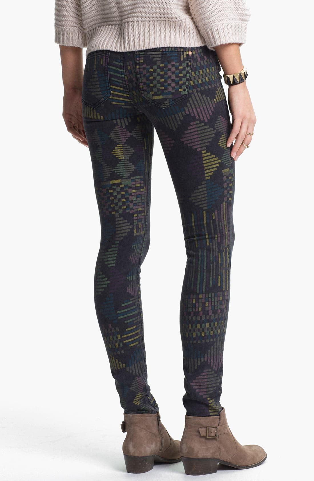 Main Image - Fire Print Skinny Jeans (Geo Print) (Juniors)