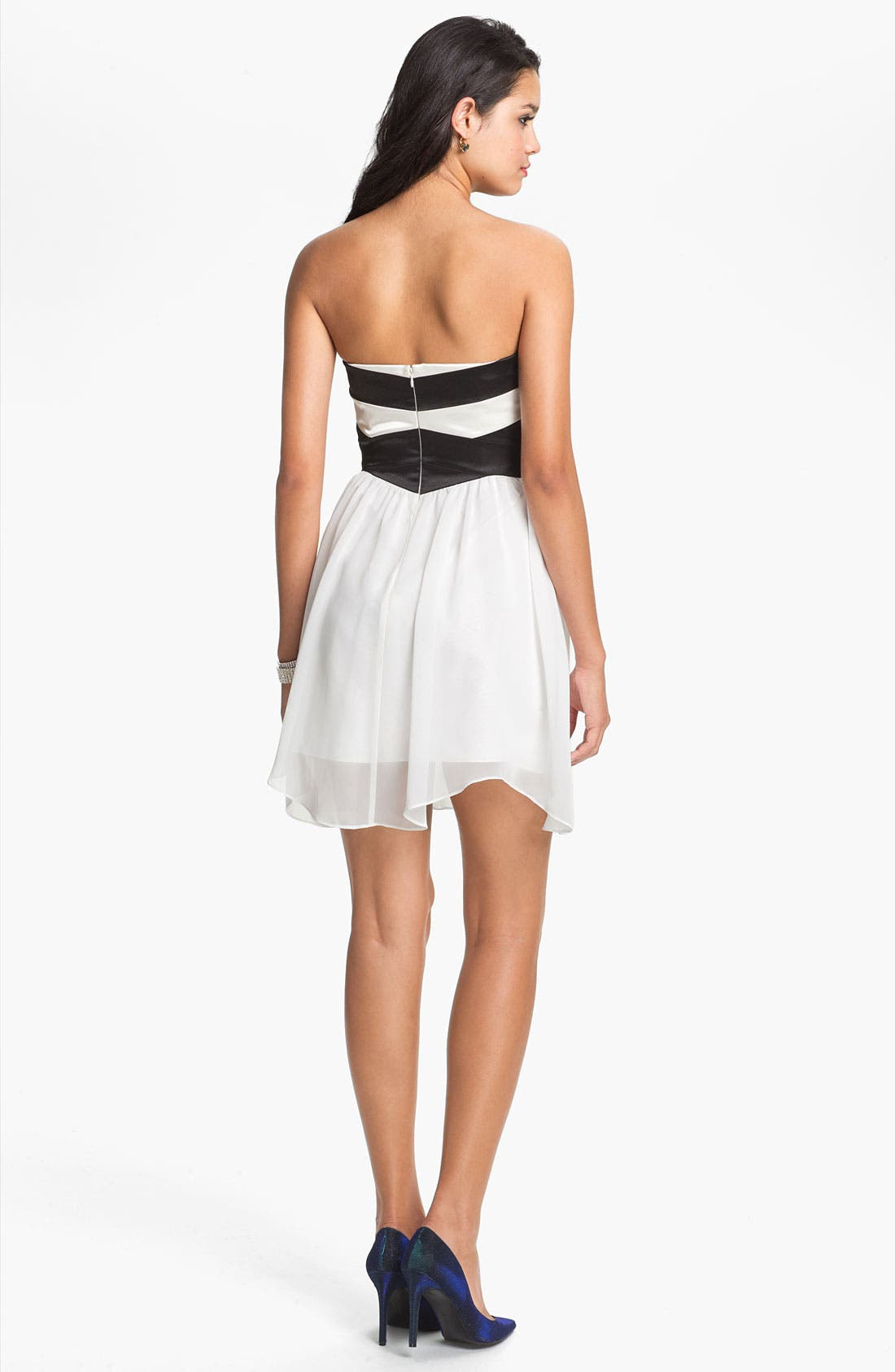 Alternate Image 2  - Hailey Logan Sweetheart Chiffon Dress (Juniors) (Online Only)