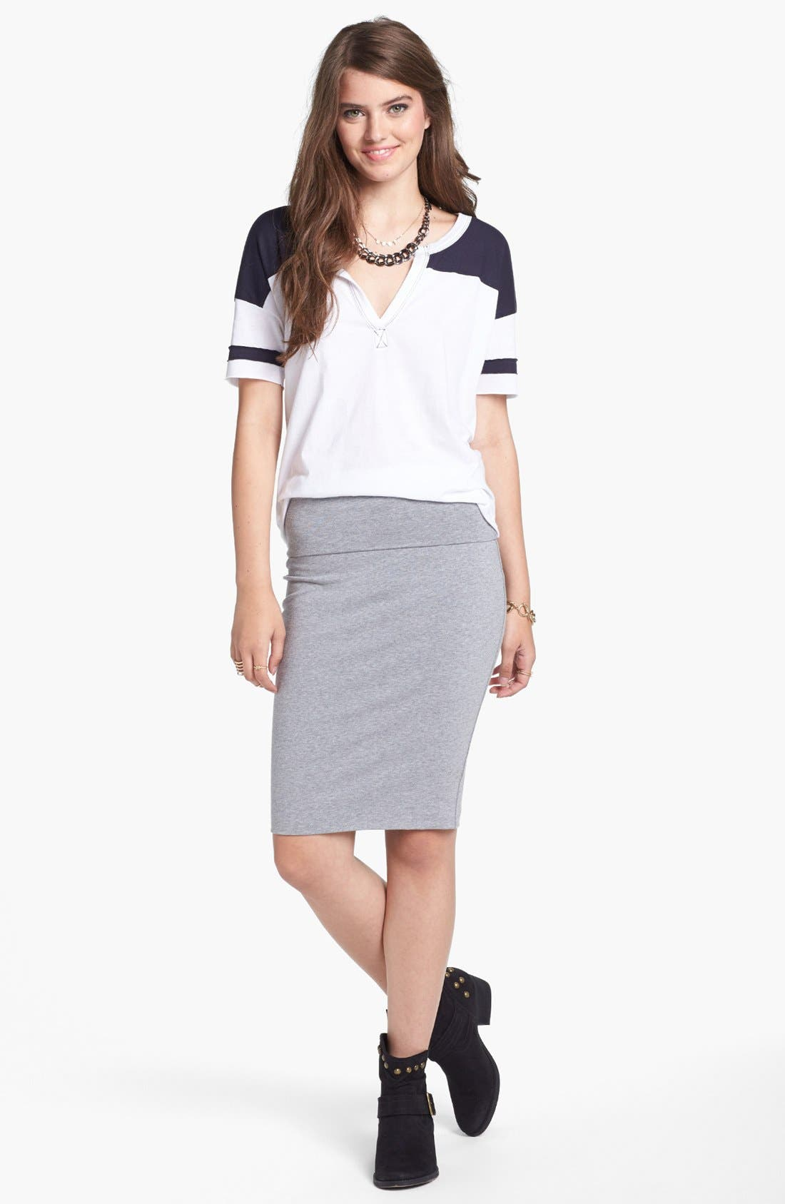 Main Image - Lily White Mid-Length Pencil Skirt (Juniors) (Online Only)