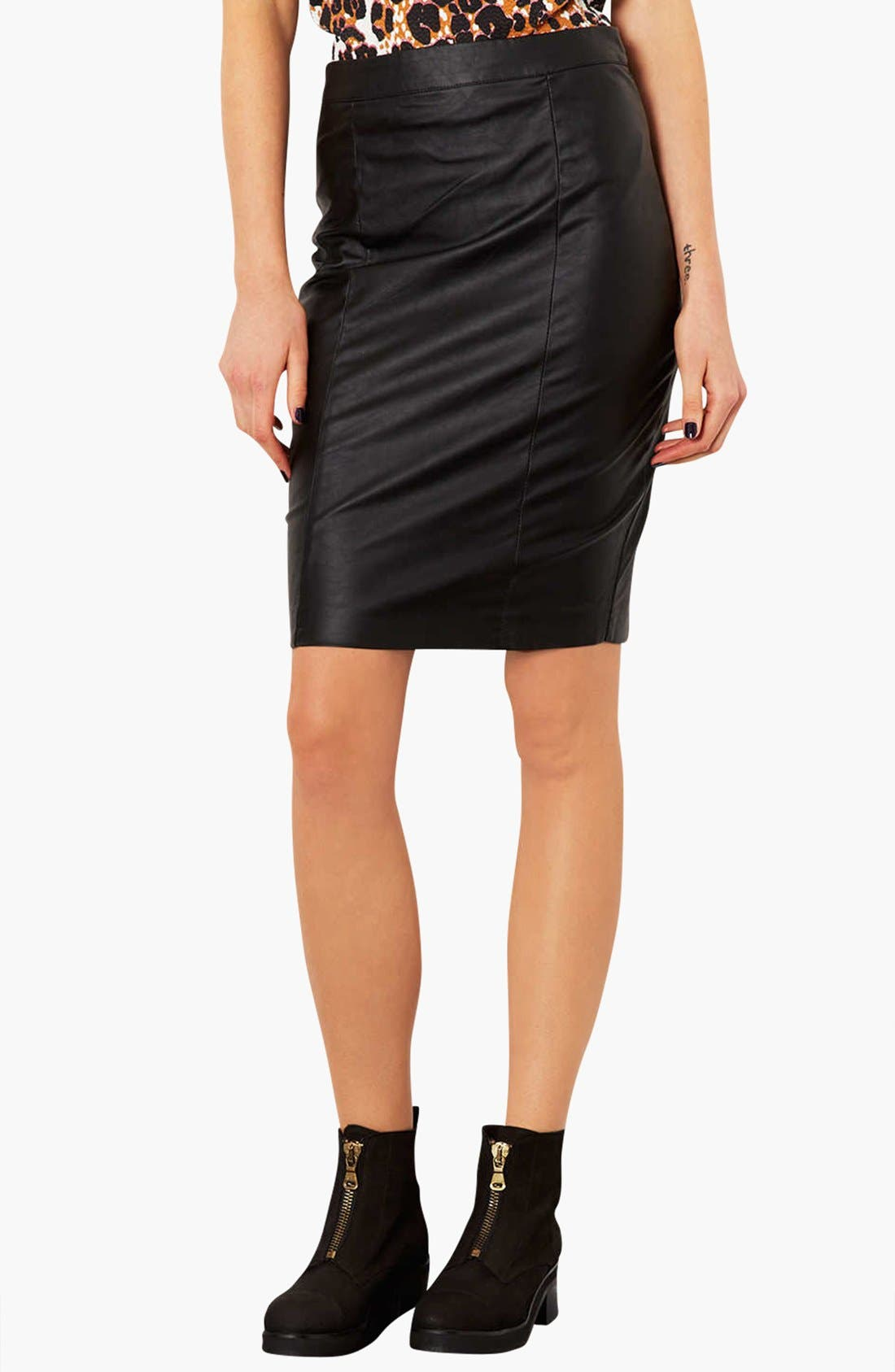 Main Image - Topshop Faux Leather Pencil Skirt