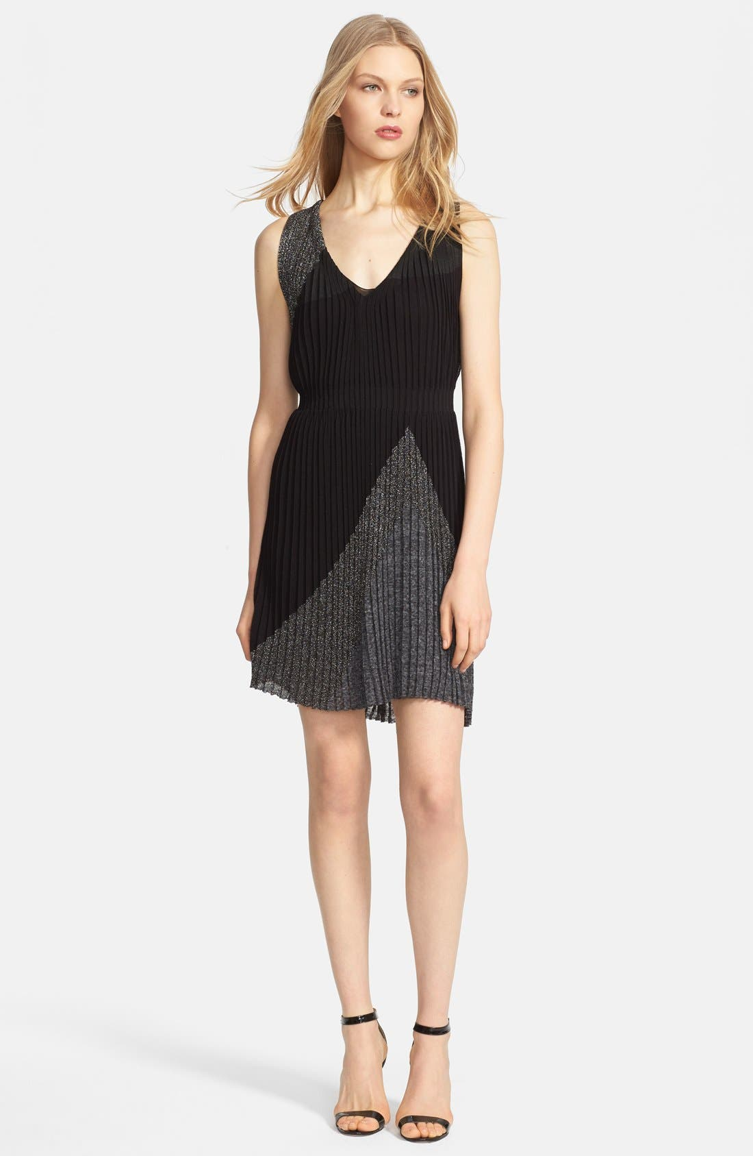 Main Image - Missoni Geometric Plissé Dress