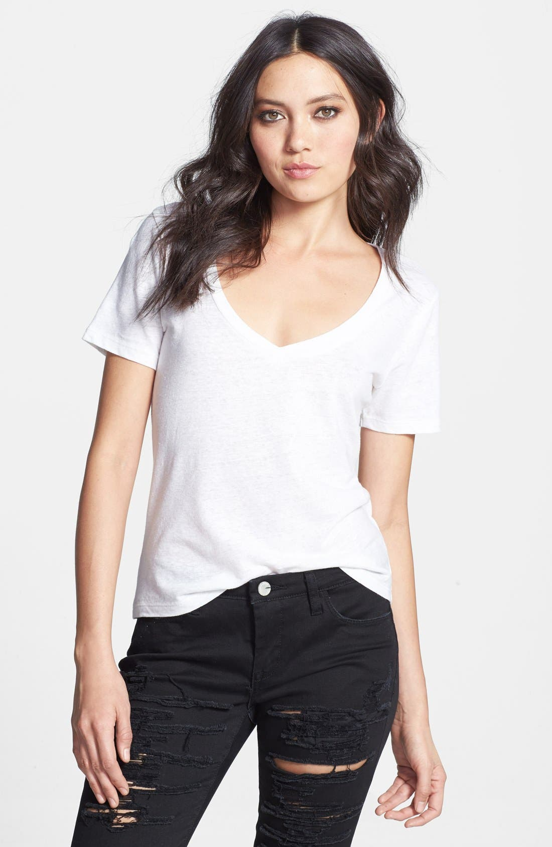 Alternate Image 1 Selected - Leith V-Neck Linen Blend Tee