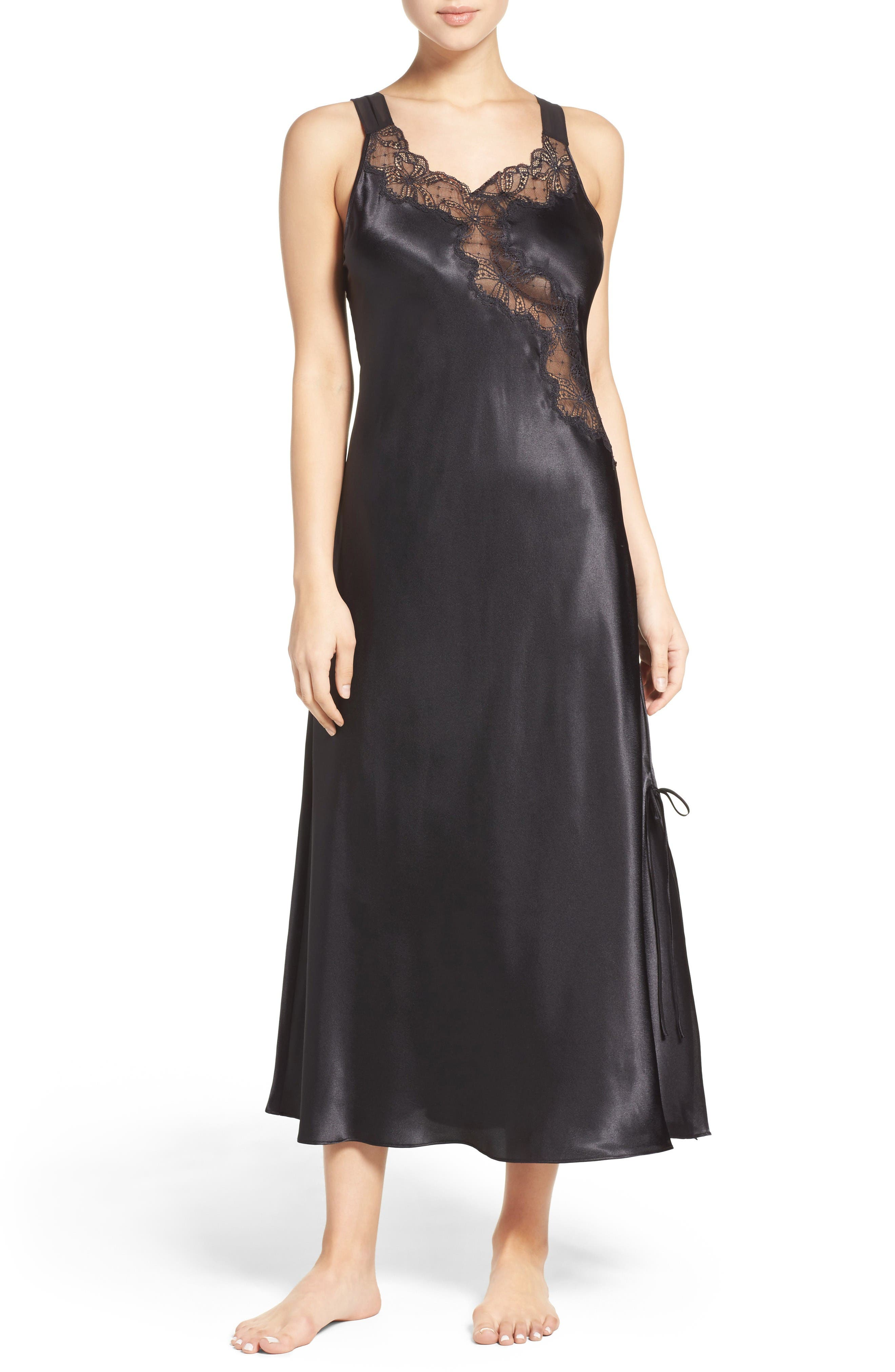 Oscar de la Renta Sleepwear Charmeuse Nightgown